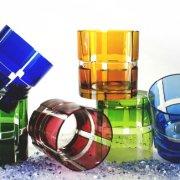Geschliffene Becher aus Überfang Bleikristallglas in 6 Farben